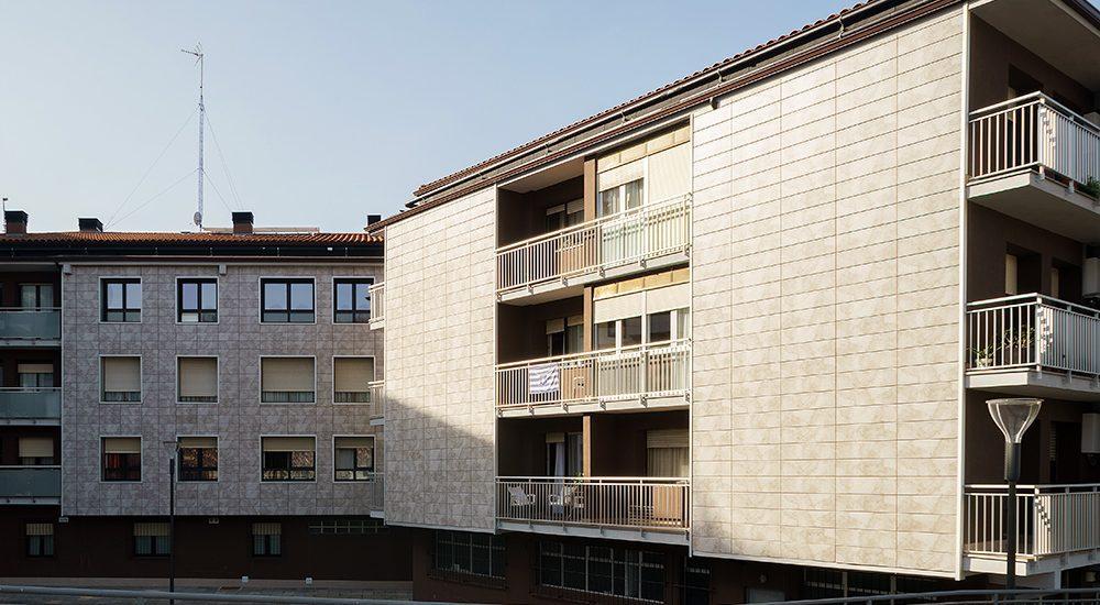 Rehabilitacion-energetica-fachada_aislamiento_District-Heating_BASA-Arquitectura_San-Sebastian-Donosti_PORTADA