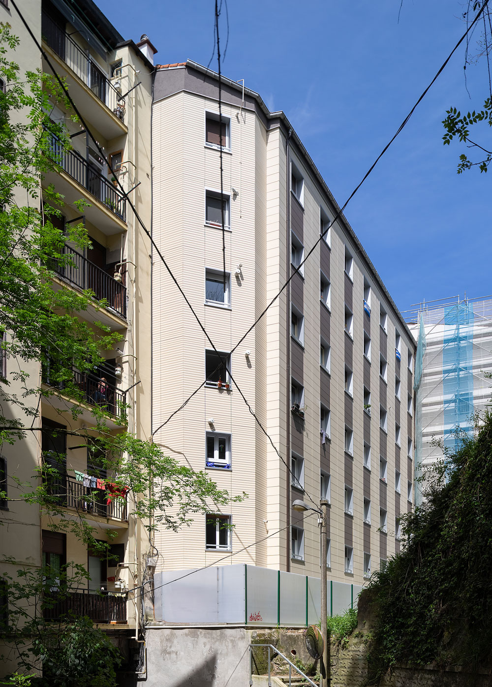 Rehabilitacion-energetica-fachada_ventilada-ceramica_BASA-Arquitectura-San-Sebastian-Donosti_4_b