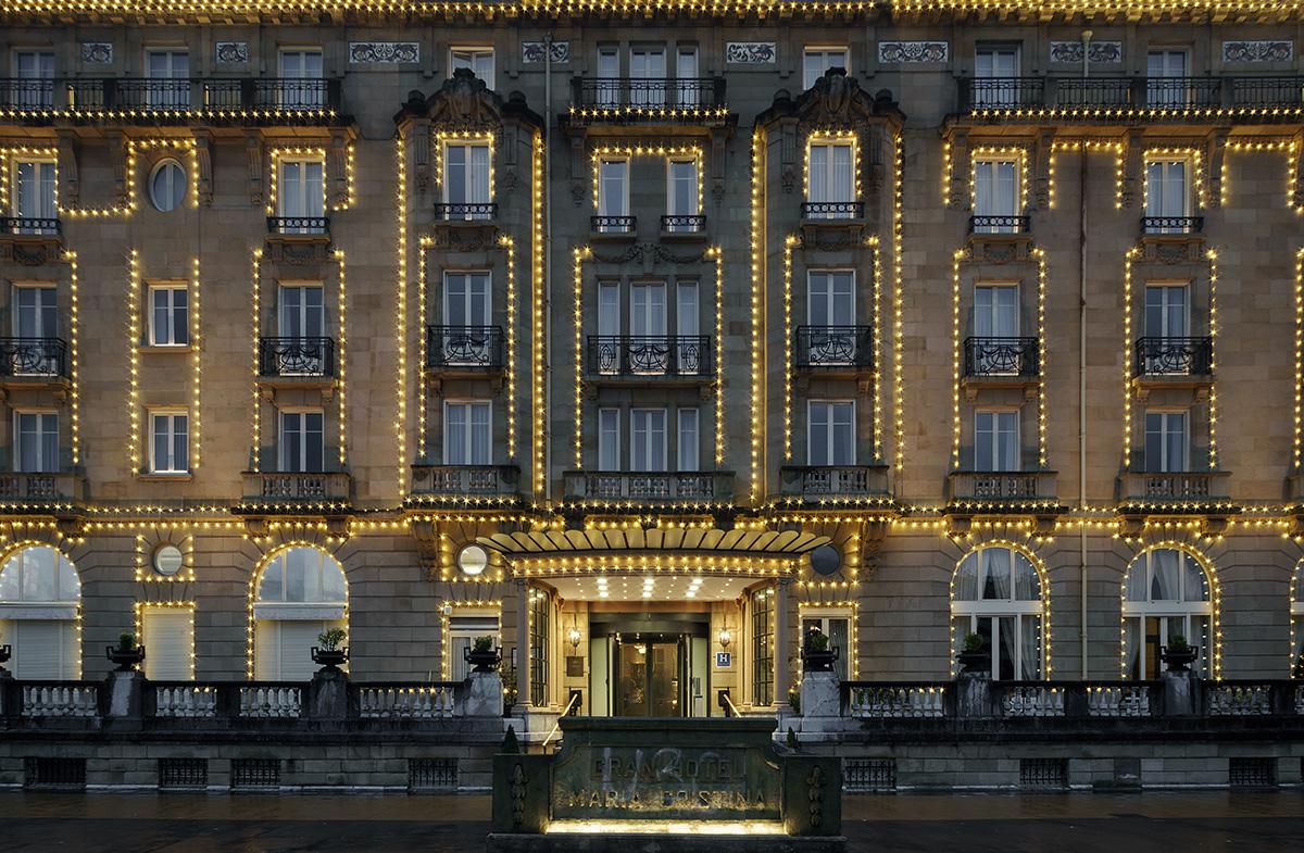 Hotel-maria-cristina-fachada_Iluminacion-navideña_BASA-Arquitectura_4_b