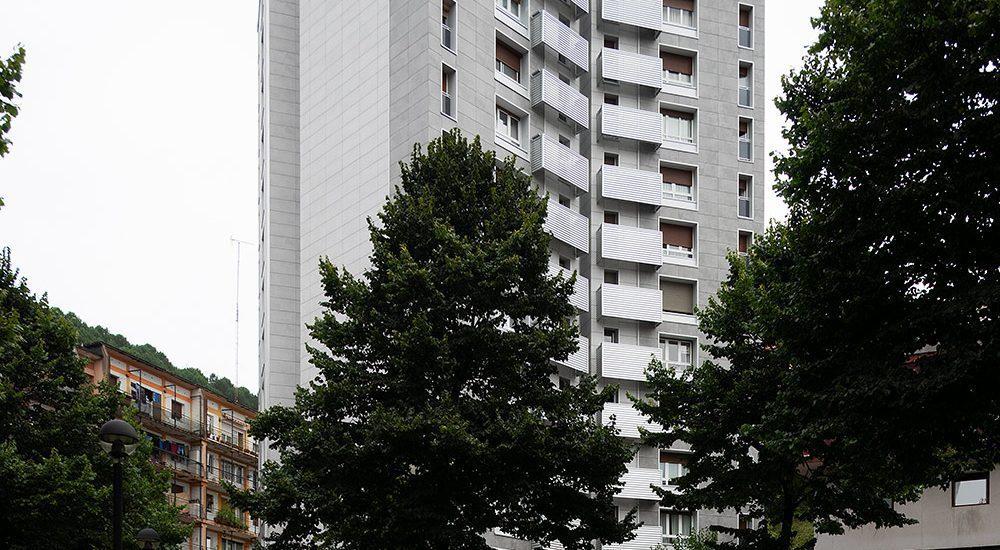 Rehabilitacion-energetica_fachada-ventilada-aislar_Renove_Basa-arquitectura-Pasaia_Gipuzkoa